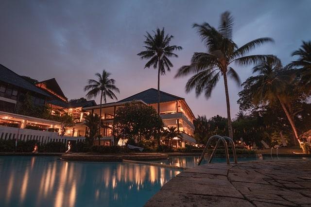 तांबडी सुरला मंदिर के नजदीक होटल – Nearest Hotel To Tambdi Surla Mandir In Hindi