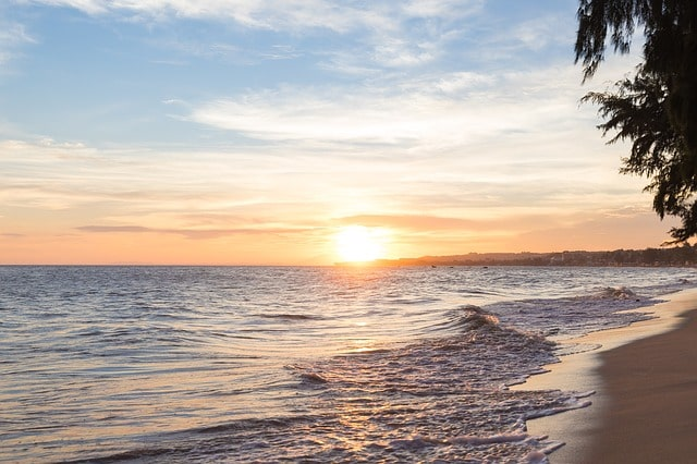 कैबो डी राम बीच पर्यटकों के बीच क्यों खास हैं – Whats's Special At Cabo De Rama Beach In Hindi