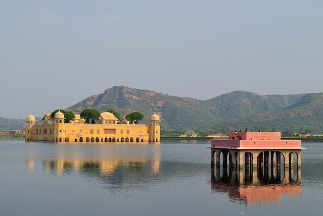 जयपुर में घूमने की अच्छी जगह जल महल - Jaipur Mein Ghumne Wali Jagah Jal Mahal In Hindi