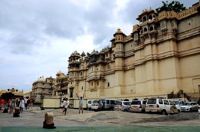 उदयपुर कैसे पहुँचे - How To Reach Udaipur City In Hindi
