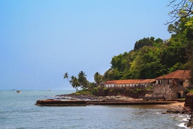 कैबो डी राम बीच के आसपास का आकर्षण – Attraction To Near Cabo De Rama Beach In Hindi