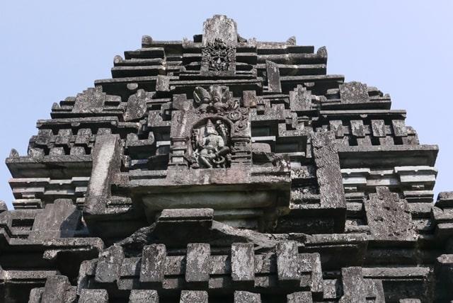 तांबडी सुरला मंदिर की फोटो गैलरी - Tambdi Surla Temple Images