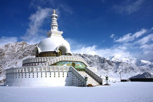लेह लद्दाख का धार्मिक स्थल शांति स्तूप- Leh Ladakh Me Dharmik Sthal Shanti Stupa In Hindi
