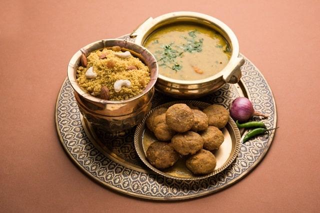 जयपुर में खाना और स्थानीय भोजन - Local Food in Jaipur In Hindi