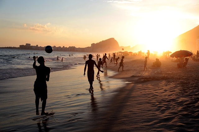 बम्बोलिम बीच पर घूमने का सबसे अच्छा समय – Best Time To Visit Bambolim Beach In Hindi