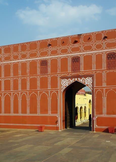 सिटी पैलेस के आसपास घूमने की जगह City Palace Nearby Tourist Attractions In Hindi