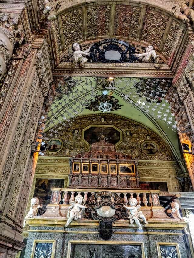 बेसिलिका ऑफ बॉम जीसस चर्च की संरचना - Architecture Of Basilica Of Bom Jesus In Hindi
