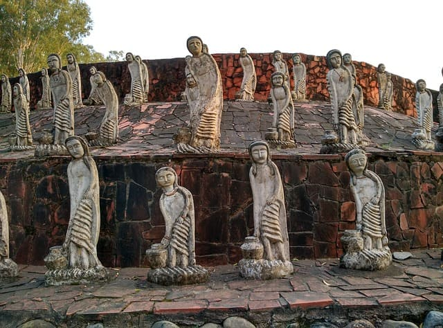 रॉक गार्डन ऑफ चंडीगढ़ - Rock Garden Of Chandigarh In Hindi