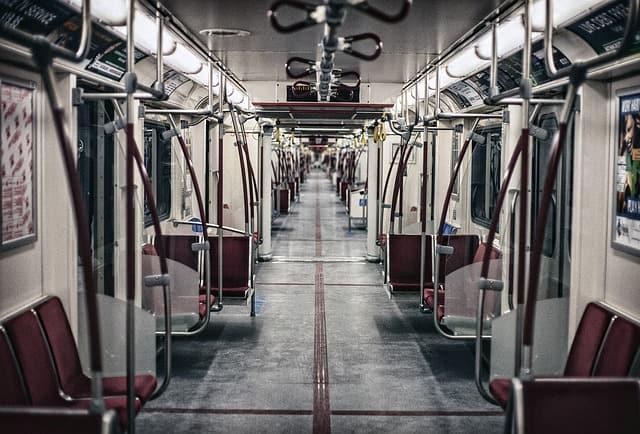 ट्रेन से हजरत निजामुद्दीन औलिया दरगाह कैसे पहुंचें - How To Reach Nizamuddin Auliya Dargah By Train In Hindi