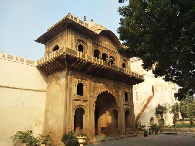 राजा नाहर सिंह पैलेस फरीदाबाद पर्यटन स्थल - Raja Nahar Singh Fort Faridabad Paryatan Sthal In Hindi