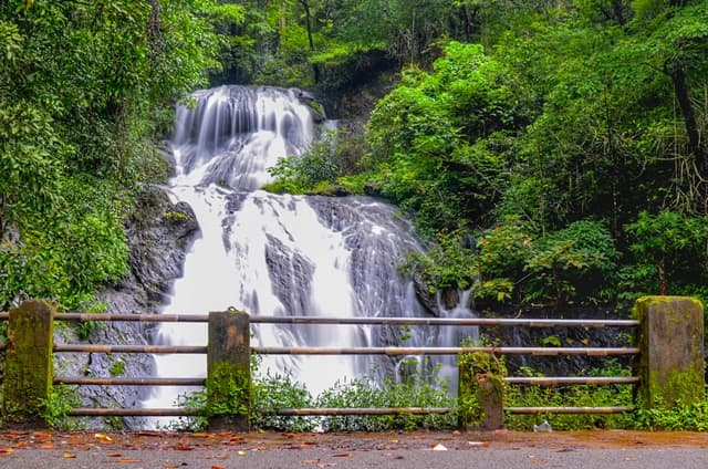 नेत्रावली वॉटरफॉल घूमने जाने का सबसे अच्छा समय – Best Time To Visit Netravali Waterfall In Hindi