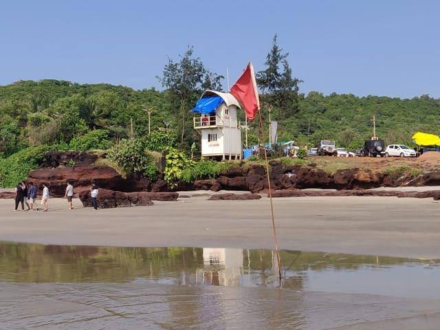 मंड्रेम बीच पर्यटकों के बीच क्यों खास हैं – What Is Special At Mandrem Beach In Hindi