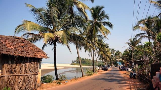 मंड्रेम बीच से अंजुना बीच – Mandrem Beach To Anjuna Beach In Hindi