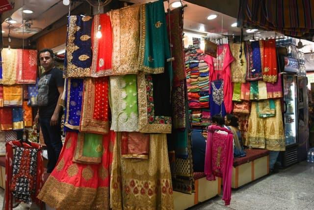 दिल्ली में शॉपिंग के लिए फेमस लाजपत नगर – Dilli Me Shopping Ke Liye Famous Lajpat Nagar In Hindi
