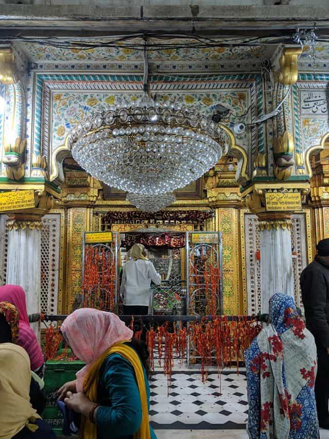 निजामुद्दीन दरगाह के बारे में रोचक तथ्य - Interesting Facts About Nizamuddin Dargah In Hindi