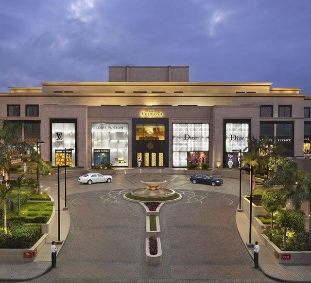 दिल्ली का लक्जीरियस मार्केट डीएलएफ एम्पोरियो - Delhi Ka Luxuries Market DLF Emporio In Hindi