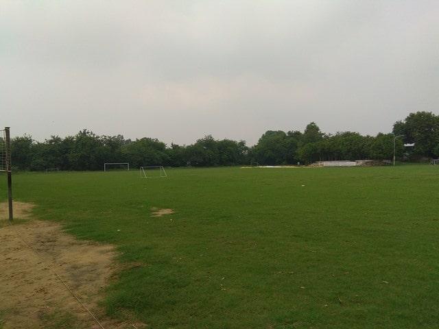 फरीदाबाद में देखने की जगह अरावली गोल्फ कोर्स - Faridabad Me Dekhne Layak Jagah Aravali Golf Course In Faridabad In Hindi