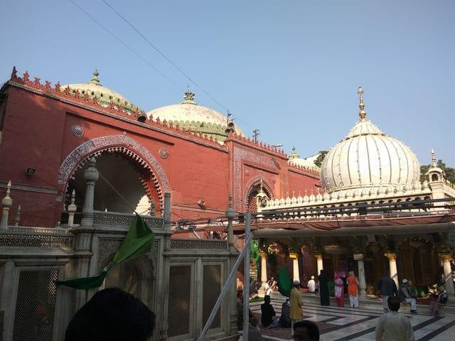 हजरत निजामुद्दीन दरगाह के आसपास घूमने की जगह - Hazrat Nizamuddin Dargah Nearby Tourist Attractions In Hindi