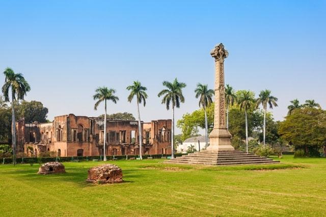 लखनऊ में देखने की जगह ब्रिटिश रेजीडेंसी - Lucknow Me Dekhne Ki Jagha British Residency In Hindi