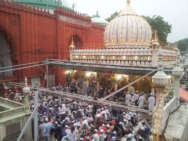 निजामुद्दीन औलिया दरगाह के आसपास कहां रुकें - Where To Stay Near Hazrat Nizamuddin Dargah In Hindi