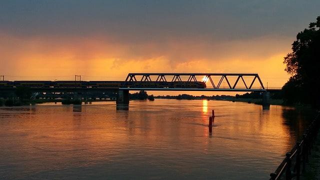 ट्रेन से गंगा सागर (सागरद्वीप) कैसे पहुंचें - How To Reach Gangasagar By Train In Hindi