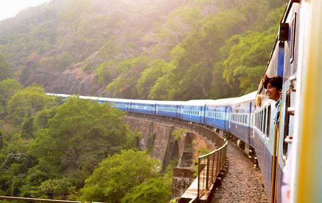 ट्रेन से नेत्रावली वॉटरफॉल कैसे पहुंचे - How To Reach Netravali Waterfalls By Train In Hindi