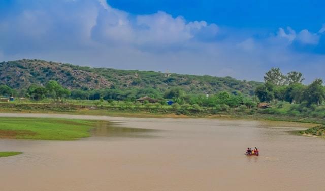 हरियाणा के प्रसिद्ध पर्यटन स्थल दमदमा झील - Haryana Ke Prasidh Paryatan Sthal Damdama Lake In Hindi