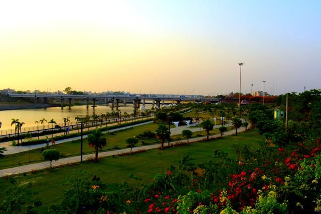 लखनऊ में घूमने वाली जगह मरीन ड्राइव - Lucknow Me Ghumne Wali Jagha Marine Drive In Hindi