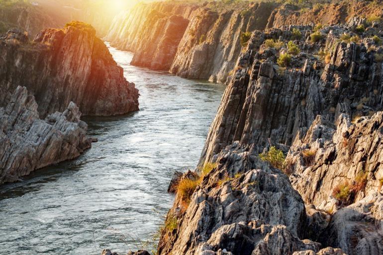 जबलपुर पर्यटन स्थल और घूमने की जानकारी - Jabalpur Tourism In Hindi