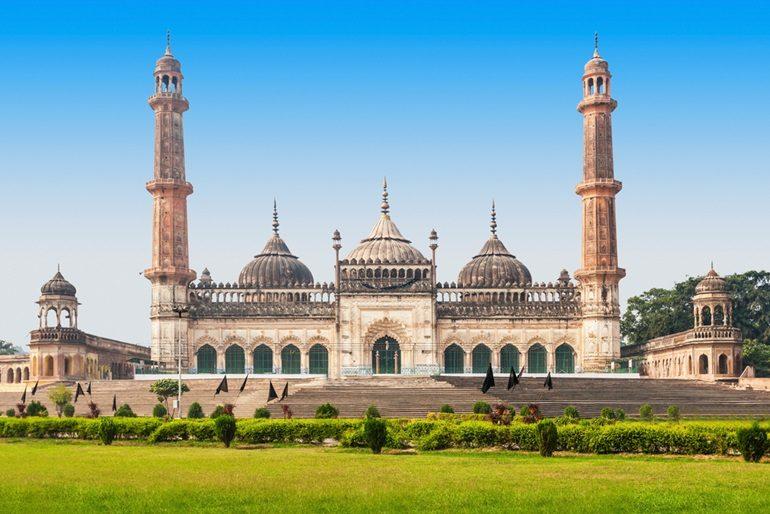 लखनऊ के दर्शनीय स्थल और घूमने की 20 जगह - Top 20 Places To Visit In Lucknow In Hindi