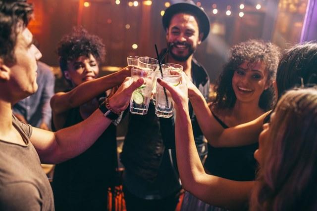 गोवा में डांस के लिए सिंक्यू नाइट क्लब - Goa Me Dance Ke Liye Sinq Night Club In Hindi