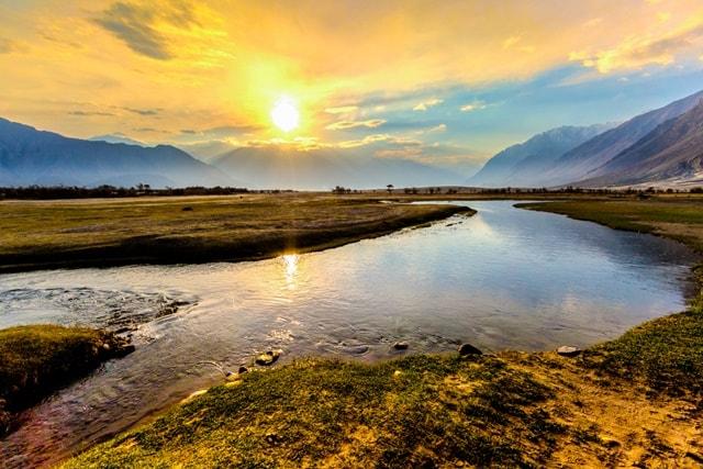 नुब्रा घाटी में देखने वाली जगह कौन सी हैं - What Are Places To See In Nubra Valley In Hindi