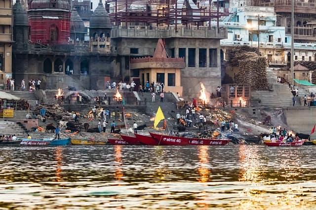 काशी में देखने लायक जगह मणिकर्णिका घाट – Kaashi Mein Dekhne Layak Jagah Manikarnika Ghat In Hindi