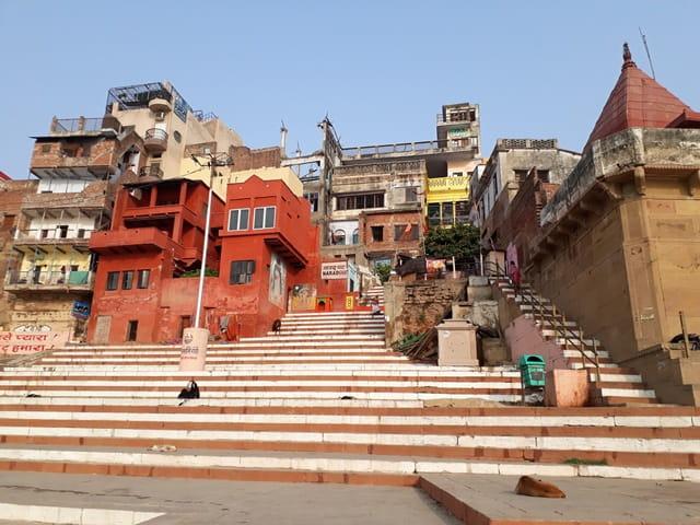 वाराणसी में देखने लायक जगह नारद घाट – Varanasi Mein Dekhne Layak Jagah Narad Ghat In Hindi