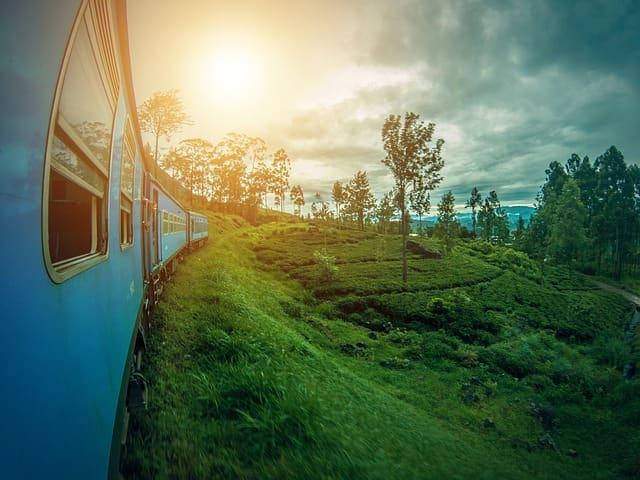 ट्रेन से भृगु झील (मनाली)