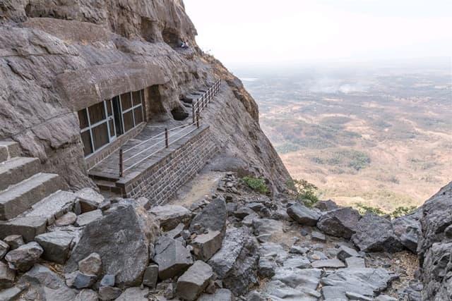 ठाणे का लोकप्रिय पर्यटन स्थल नानाघाट हिल्स - Thane Ka Lokpriya Paryatan Sthal Naneghat Hills In Hindi
