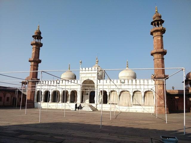 भोपाल घूमने वाली जगह मोती मस्जिद - Bhopal Ghumne Wali Jagah Moti Masjid In Hindi