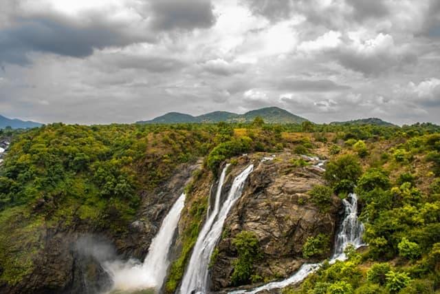 मैसूर में बच्चो के साथ घूमे शिवानासमुद्र फॉल्स - Mysore Me Baccho Ke Sath Ghume Ke Liye Shivanasamudra Falls In Hindi