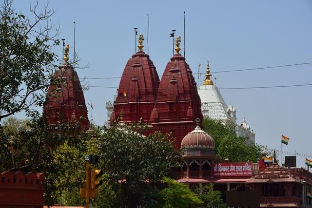 चांदनी चौक में प्रसिद्ध मंदिर श्री दिगंबर जैन लाल मंदिर - Chandni Chowk Me Famous Temple Shri Digamber Jain Lal Mandir In Hindi