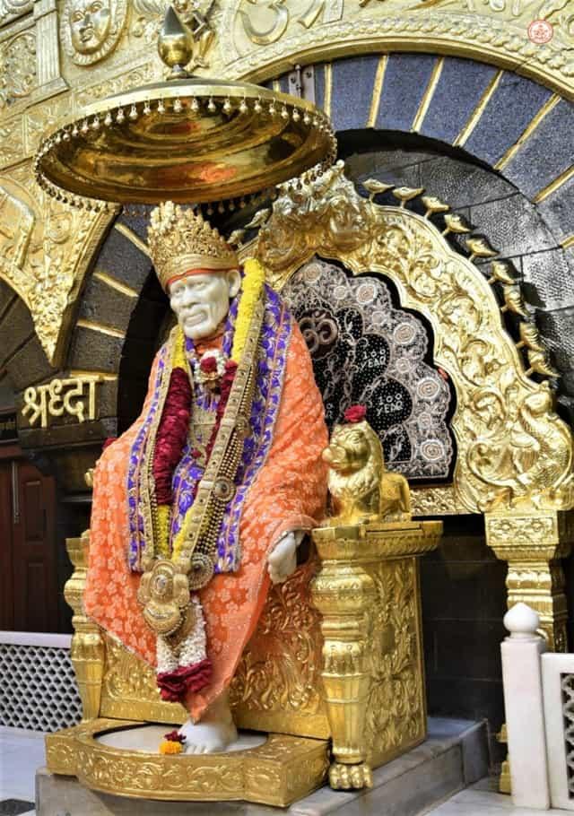 भारत का मशहूर शिरडी वाले साईं बाबा का मंदिर - Bharat Ka Prasidh Shirdi Wale Sai Baba Temple In Hindi