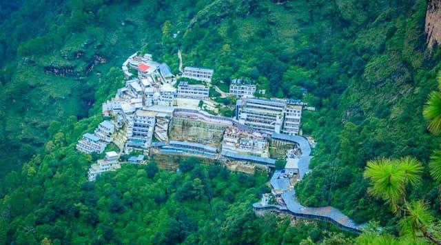 भारत का धार्मिक स्थल वैष्णो देवी माता मंदिर - Bharat Ka Dharmik Sthal Vaishno Devi Temple In Hindi