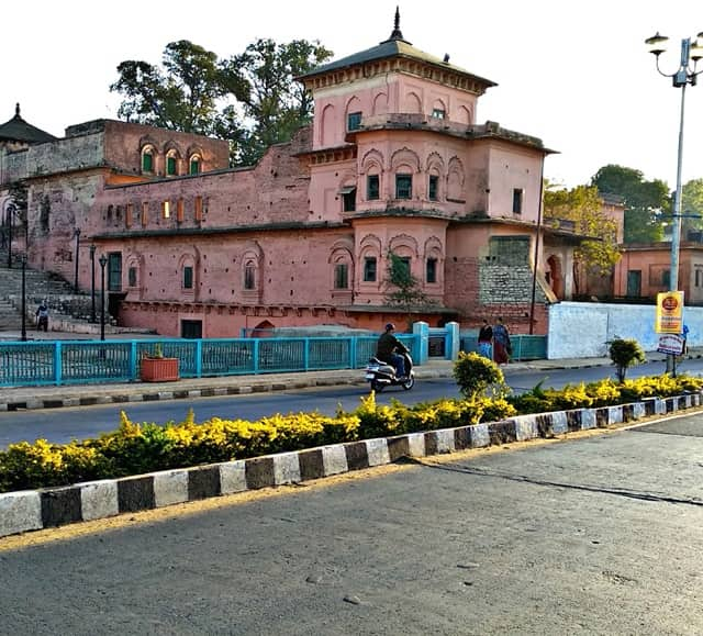 भोपाल में देखने लायक जगह गोहर महल - Bhopal Me Dekhne Layak Jagah Gauhar Mahal In Hindi