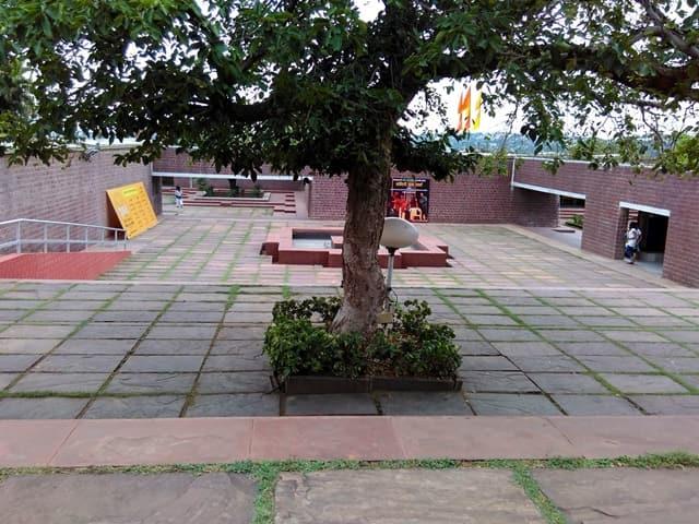 भोपाल टूरिज्म में घूमने भारत भवन - Bhopal Tourism Me Ghume Bharat Bhavan In Hindi