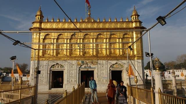 अमृतसर के टूरिस्ट स्पॉट दुर्गियाना मंदिर - Amritsar Ka Tourist Spot Durgiana Temple In Hindi http://www.worldcreativities.com