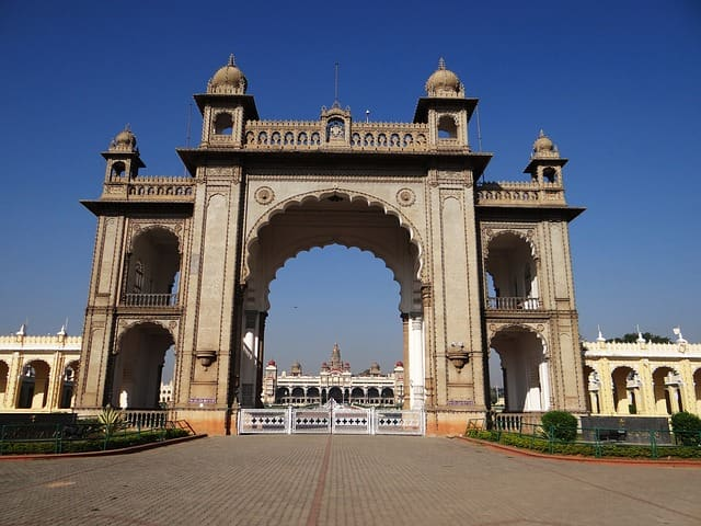 मैसूर पैलेस (अंबा विलास पैलेस) खुलने और बंद होने का समय - Amba Vilas Palace (Mysore Palace) Opening Time And Closing Time In Hindi