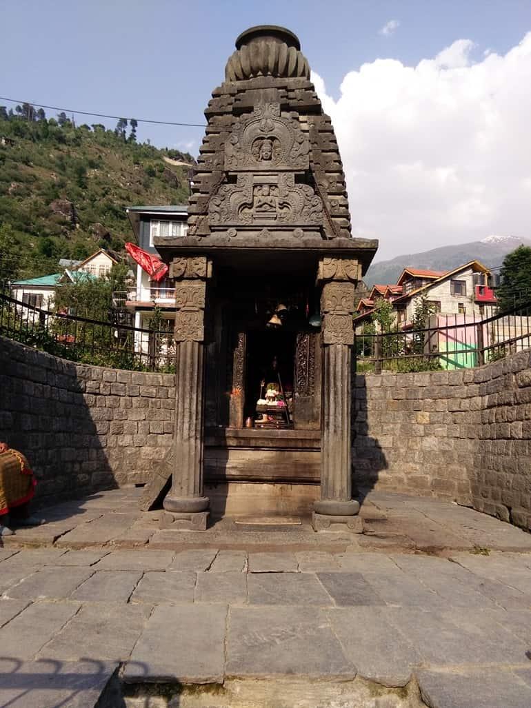 जगतसुख के प्रसिद्ध धार्मिक स्थल जगतसुख शिव मंदिर