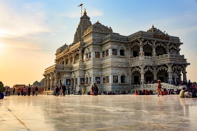 भारत के आकर्शनीय धार्मिक स्थल वृंदावन - Bharat Ke Darshniya Sthal Vrindavan In Hindi