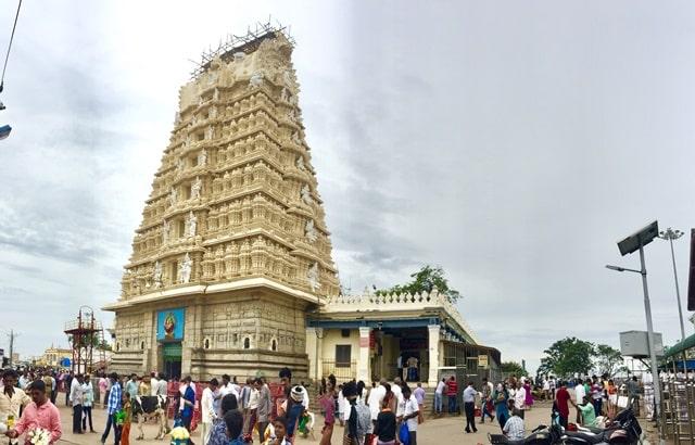 मैसूर का प्रमुख धार्मिक स्थल चामुंडेश्वरी मंदिर - Mysore Ka Pramukh Dharmik Sthal Chamundeshwari Temple In Hindi