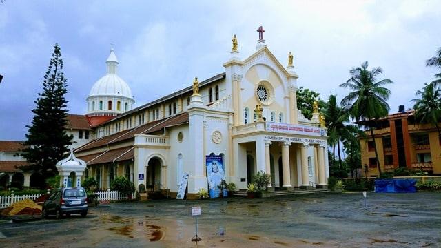 मैंगलोर का ऐतिहासिक चर्च रोसारियो कैथेड्रल - Mangalore Historical Church Rosario Cathedral In Hindi