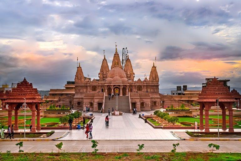 भारत के प्रमुख धार्मिक स्थल और इनकी यात्रा – Hindusthan Ke Pavitra Tirth Sthal In Hindi